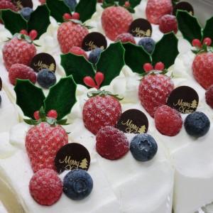 クリスマスのカットケーキ12/25の6時頃も大量に製造していました!