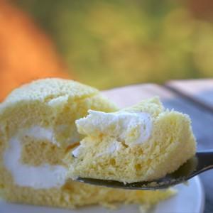 純生クリームのロールケーキ