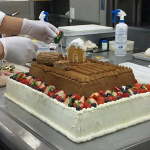 ウエディングケーキ制作風景