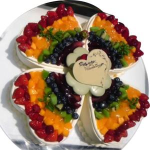 レインボークローバーのウエディングケーキ