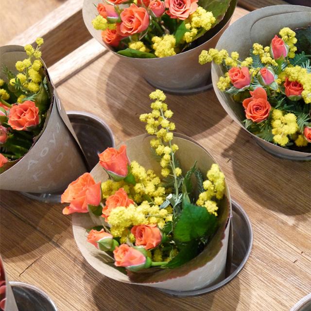 ミモザとバラの花束※これは単なるイメージ画像です。販売しておりません。[/
