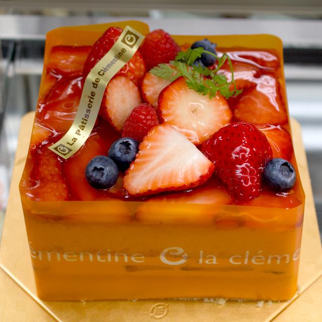 赤いショートケーキ4号サイズ